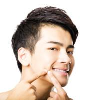 気になる頬にできた毛穴の開き!原因と解消法